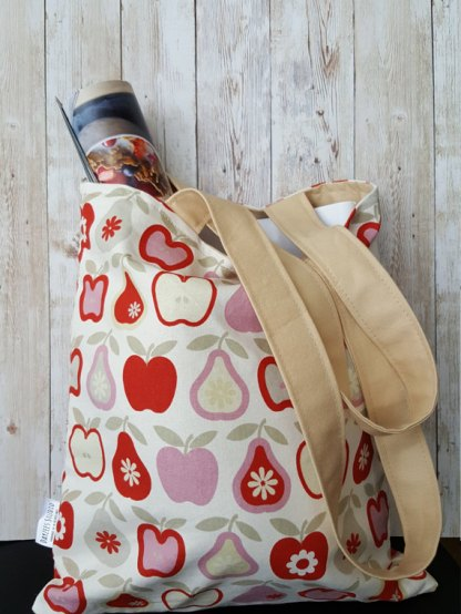Market and book totes